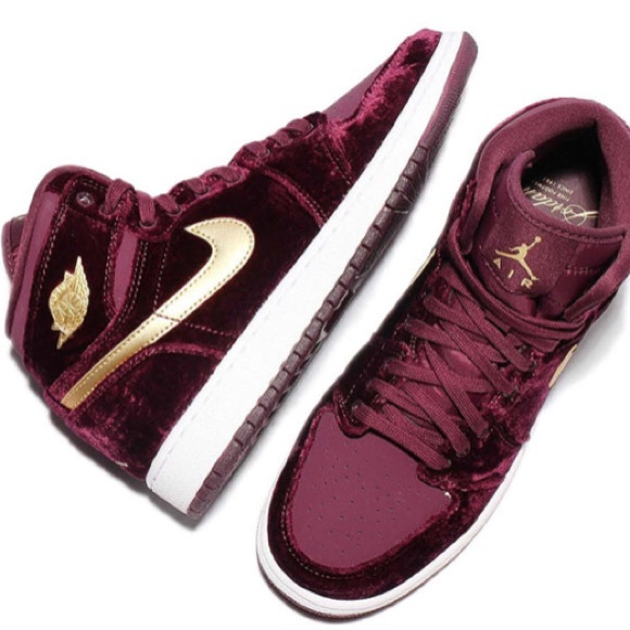 "Air Jordan 1 Heiress GG ""Red Velvet"""